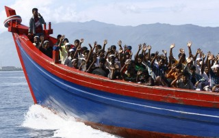 Sbarco-di-immigrati-in-Sicilia